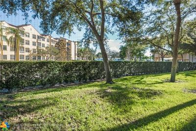 Plantation Condo/Townhouse For Sale: 8592 W Sunrise Blvd #106