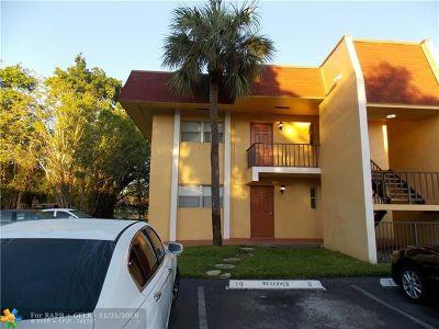 Tamarac Condo/Townhouse For Sale: 8060 Fairview Dr #101