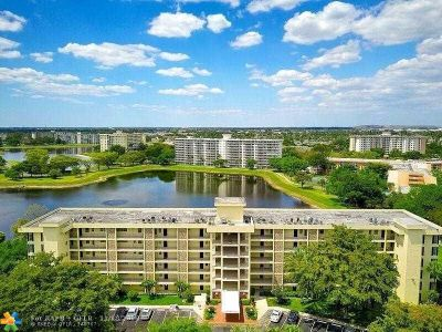 Pompano Beach Condo/Townhouse For Sale: 2751 N Palm Aire Dr #303