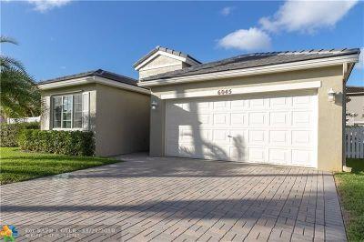 Margate Single Family Home For Sale: 6045 N Sable Cir