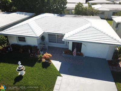 Tamarac Single Family Home For Sale: 6702 NW 71st St
