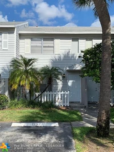 Pompano Beach Condo/Townhouse For Sale: 125 SW 3rd St #125