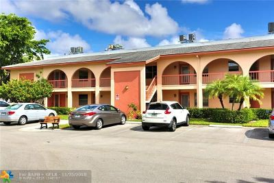 Coconut Creek Condo/Townhouse For Sale: 1108 Bahama Bnd #B2