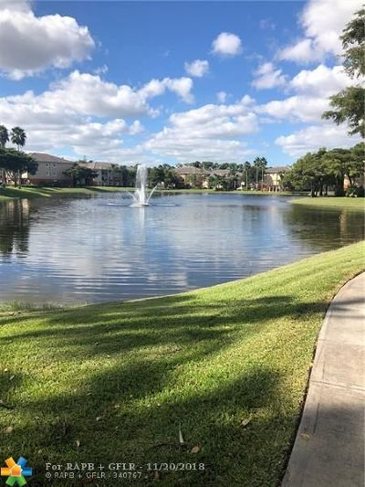 West Palm Beach Condo/Townhouse For Sale: 4191 N Haverhill Rd #403