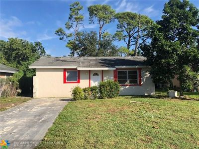 West Palm Beach Single Family Home For Sale: 5829 Kumquat Rd