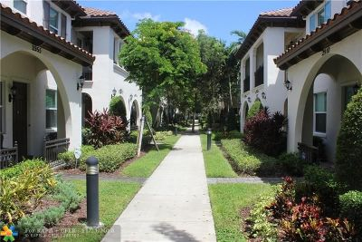 Cooper City Condo/Townhouse For Sale: 2951 St Thomas Dr #2951