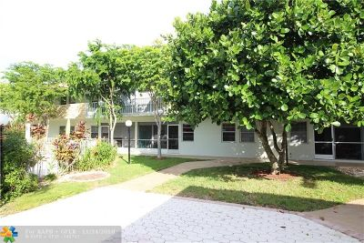 Deerfield Beach Condo/Townhouse For Sale: 860 SE 6th Ave #304