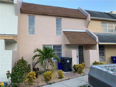 North Lauderdale Condo/Townhouse For Sale: 1321 Seaview Dr #1