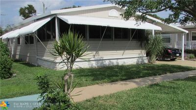 Deerfield Beach Single Family Home For Sale: 113 NW 53rd Pl