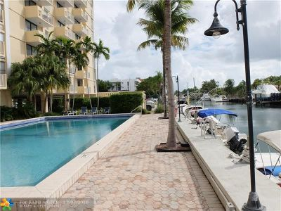 North Miami Condo/Townhouse For Sale: 2350 NE 135th St #514