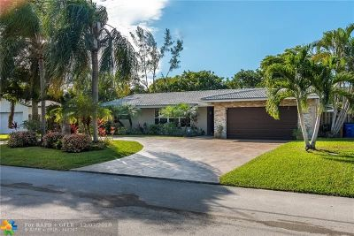 Deerfield Beach Single Family Home For Sale: 25 Little Harbor Way