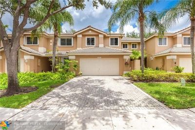 Pembroke Pines Condo/Townhouse For Sale: 15811 SW 10th St #15811