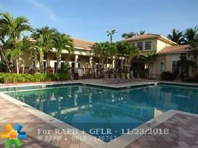 Miramar Condo/Townhouse For Sale: 2427 Centergate Dr #104