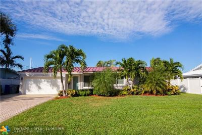 Pompano Beach Single Family Home For Sale: 2381 SE 12th St