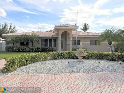 Pompano Beach Single Family Home For Sale: 2580 SE 7th St