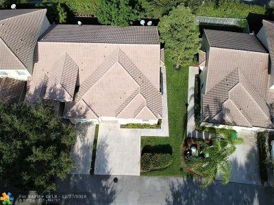 Lauderhill Condo/Townhouse For Sale: 3135 Enclave Way #3135
