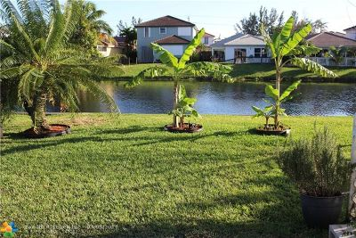 Tamarac Single Family Home For Sale: 6800 NW 70th St