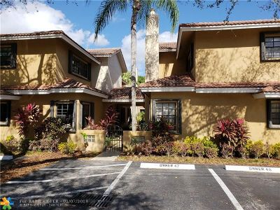 Broward County Condo/Townhouse For Sale: 905 SE 12th Ct #13