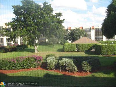 Boca Raton Condo/Townhouse For Sale: 23380 Carolwood Ln #205