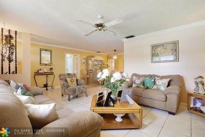West Palm Beach Single Family Home For Sale: 2061 E Bond Drive