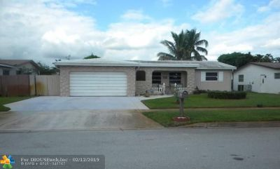 Margate Single Family Home For Sale: 6957 NW 7th Ct
