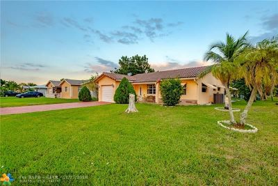 Tamarac Single Family Home For Sale: 6900 NW 92nd Ave