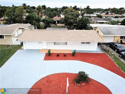 Pembroke Pines Single Family Home For Sale: 8621 NW 14th St