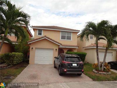 Lauderhill Single Family Home For Sale: 7231 Sienna Ridge Ln