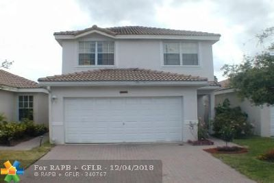 Lauderhill Single Family Home For Sale: 3877 Sienna Greens Ter