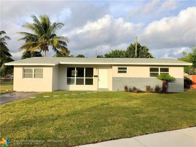 Pompano Beach Single Family Home For Sale: 5030 NE 7th Ave