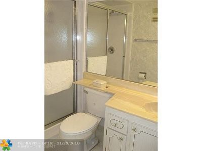 Tamarac Condo/Townhouse For Sale: 4990 E Sabal Palm Blvd #207