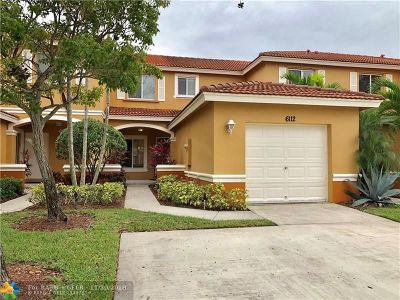 West Palm Beach Condo/Townhouse For Sale: 6112 Southard St #6112