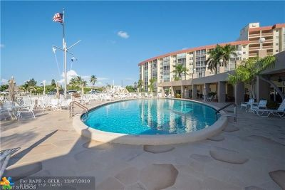 Pompano Beach FL Condo/Townhouse For Sale: $239,900