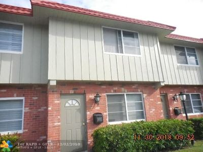 Wilton Manors Condo/Townhouse For Sale: 113 NE 20th Ct #4G