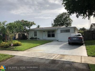 Oakland Park Single Family Home For Sale: 5225 NE 1 Av