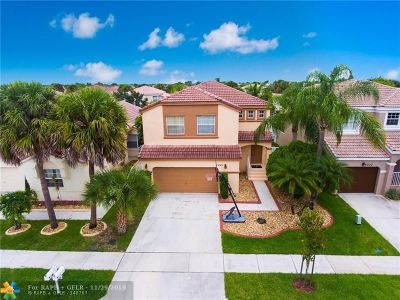 Pembroke Pines Single Family Home For Sale: 1241 NW 159 Ln