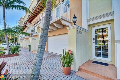 Wilton Manors Condo/Townhouse For Sale: 2704 NE 8th Ave #2704