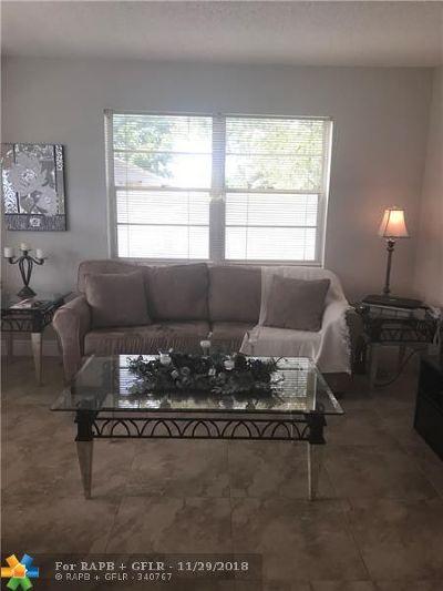 Deerfield Beach Condo/Townhouse For Sale: 145 Markham G #145