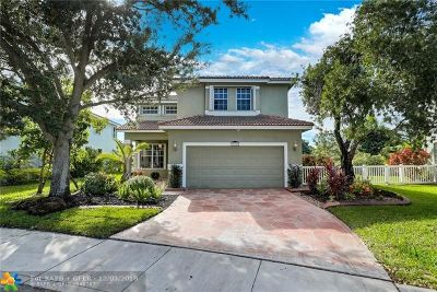 Pembroke Pines Single Family Home For Sale: 16364 NW 17th St