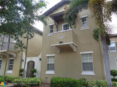 Pembroke Pines Condo/Townhouse For Sale: 821 SW 147th Ter #821