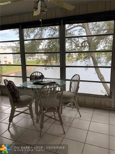 Deerfield Beach Condo/Townhouse For Sale: 3070 Cambridge D #3070