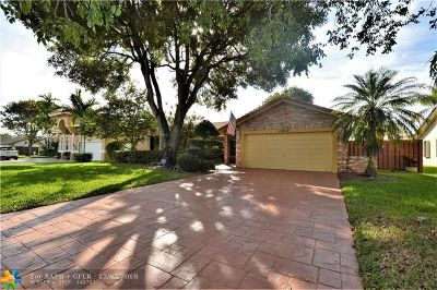 Coral Springs Single Family Home For Sale: 10618 NW 7th Pl