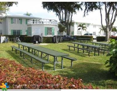 Fort Lauderdale Condo/Townhouse For Sale: 6261 NE 19th Ave #1131
