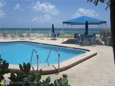 Lauderdale By The Sea Condo/Townhouse For Sale: 4050 N Ocean Dr #210