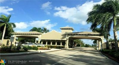 Coconut Creek Condo/Townhouse For Sale: 3204 Portofino Pt #B2