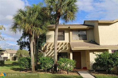 Coconut Creek Condo/Townhouse For Sale: 4831 NW 22nd St #4145