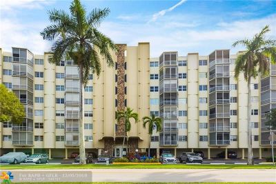 Hallandale Condo/Townhouse For Sale: 200 Diplomat Pkwy #332