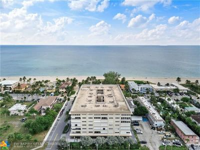 Pompano Beach Condo/Townhouse For Sale: 401 Briny Ave #307