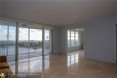 Pompano Beach Condo/Townhouse For Sale: 2940 N Course Dr #906