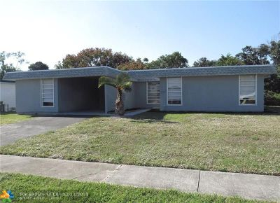 Tamarac Single Family Home For Sale: 7817 NW 66th Ter